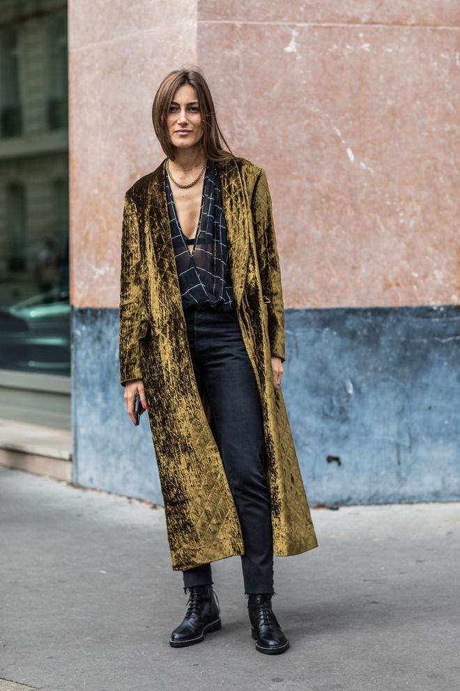 Best Street Style Looks of PFW Spring 2018