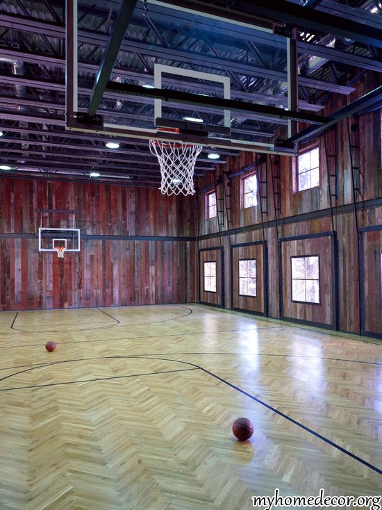 If I ever get a barn, I am so putting in an indoor basketball court. My court would have a block M at half court.