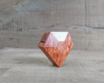 Anillo facetado de madera caja  anillo de por Woodstorming en Etsy