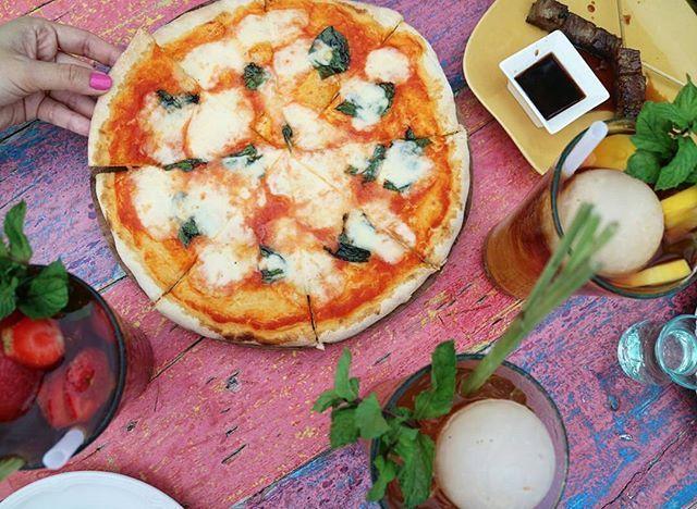 WEBSTA @ ayodyabali - A Margarita, Beef Satay, Ice Lemon Tea for your perfect Sunday.🍹 📷: @bebenadila #pizza #ayodyabali #beachbar #instafood