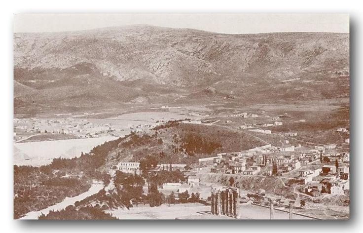 Μερική άποψη της Αθήνας από την Ακρόπολη (1910).  Στο κέντρο της φωτογραφίας είναι η περιοχή που χτίστηκε ο Συνοικισμός Παγκρατίου το 1923, που από το 1924 μετονομάστηκε σε Συνοικισμό Βύρωνος.