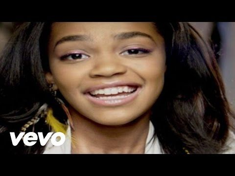 China Anne McClain - Calling All The Monsters (from ANT Farm) - YouTube