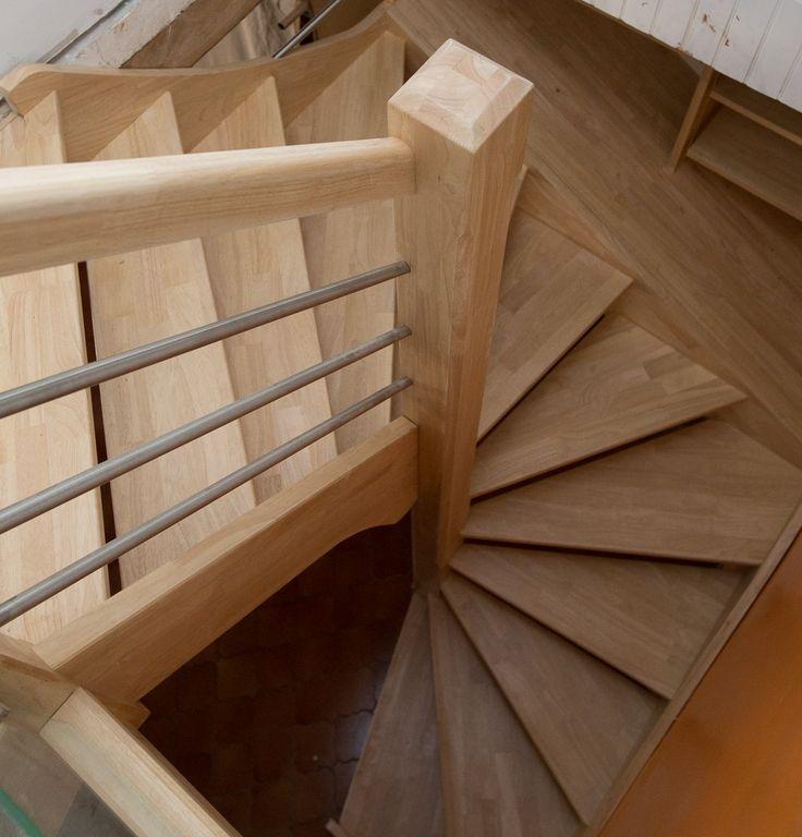 les 25 meilleures id es de la cat gorie escalier quart tournant haut sur pinterest planchers. Black Bedroom Furniture Sets. Home Design Ideas