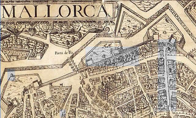Plano Garau. Palma de Mallorca.    En gris: garita del baluarte de Sitjar; acueducto paralelo a la calle Olmos; acequia por San Miguel; cruz en la plaza del Hospital de La Sangre.