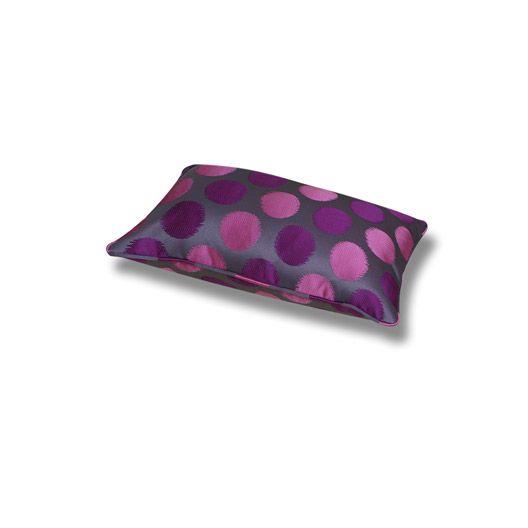 interesting from leroy merlin coussin jacquard de couleur fushia x cm existe en plusieurs. Black Bedroom Furniture Sets. Home Design Ideas