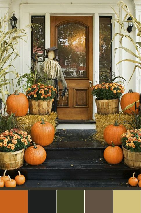 my favorite time: FALL   i want my doorway to look like this..too bad nobody would see it