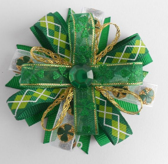 Green and White Loopy Bow  St Patrick/'s Day Hair Bow