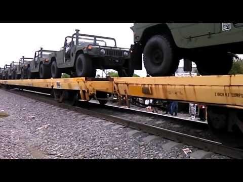Cruzan cientos de vehículos militares de EU a México   ¿Habrá guerra en México?