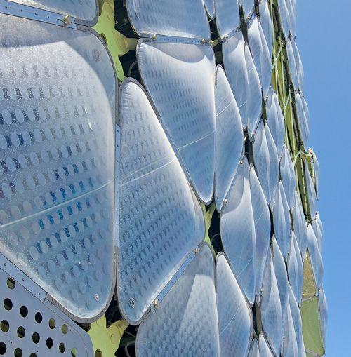 Detalle del ETFE, Edificio Media-TIC, Barcelona, Spain by jmhdezhdez, via Flickr