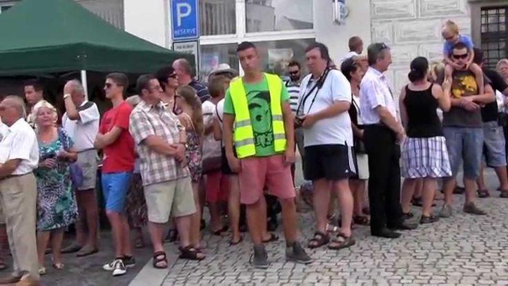 SLOVÁCKÝ ROK 2015 - 32. reportáž: Konec čekání, mája je v Kyjově a SR st...