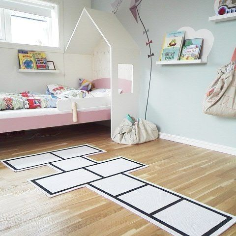 She'll jump right into bedcoming soon! #hopscotch #kidsrug #kidsroom #interior @petitandsmall @kidslovedesign