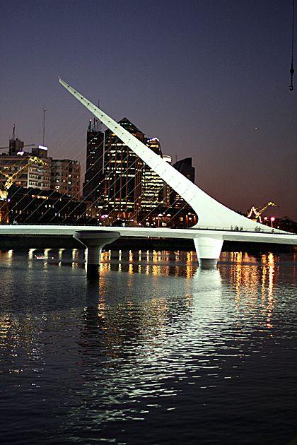 Buenos Aires, Argentina puente de la mujer