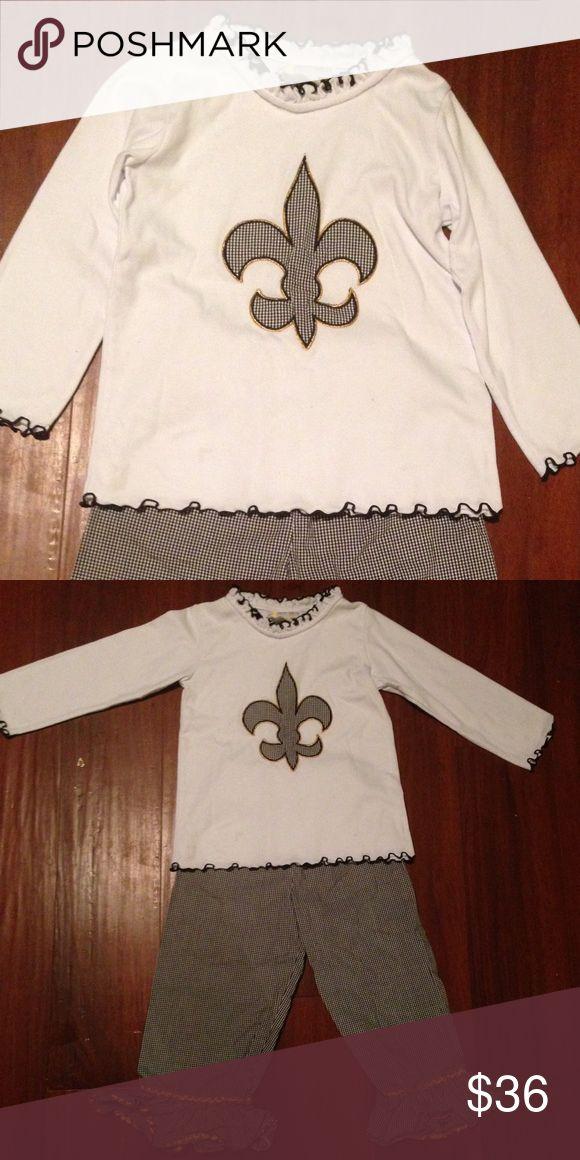 Fleur de Lis boutique outfit 4t excellent Fleur de Lis  boutique outfit size 4t. Excellent condition! Matching Sets