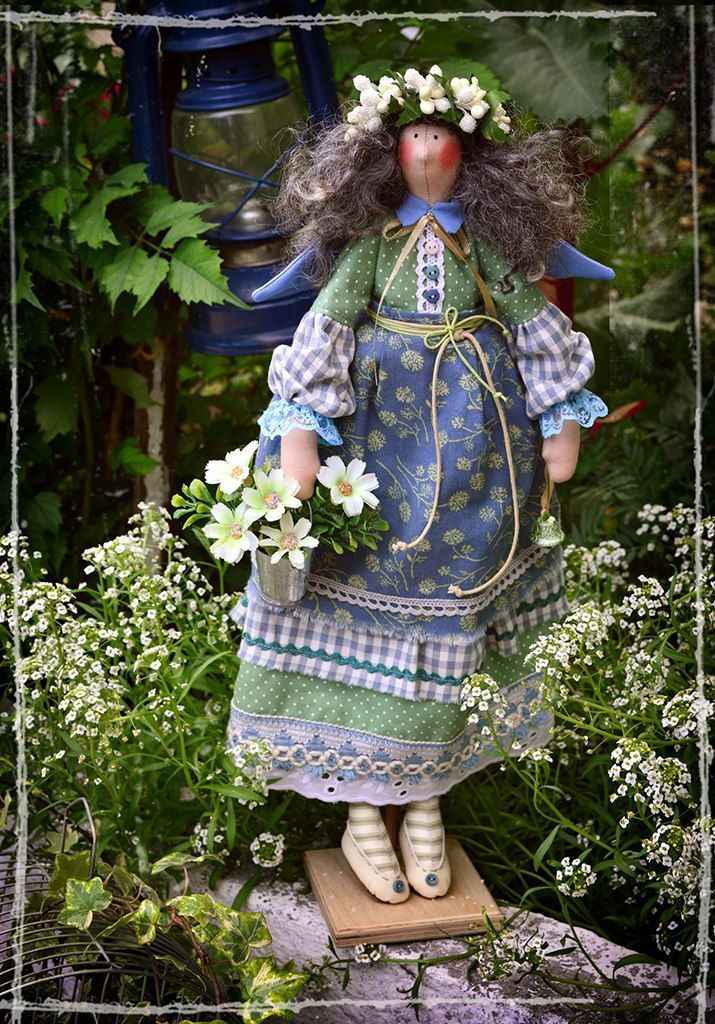 469 best tilda images on pinterest fabric dolls cartonnage and the doll in the garden tilda in the garden - The Doll In The Garden