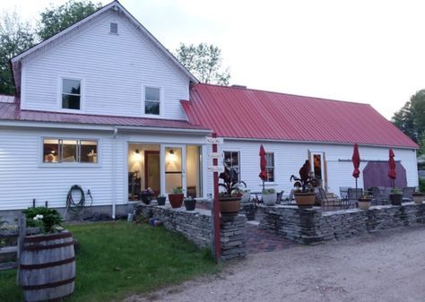The Tiny Village In New Hampshire With The Most Scrumdiddilyumptious Restaurants