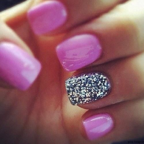 Adorable nail painting inspiration in pink for ladies
