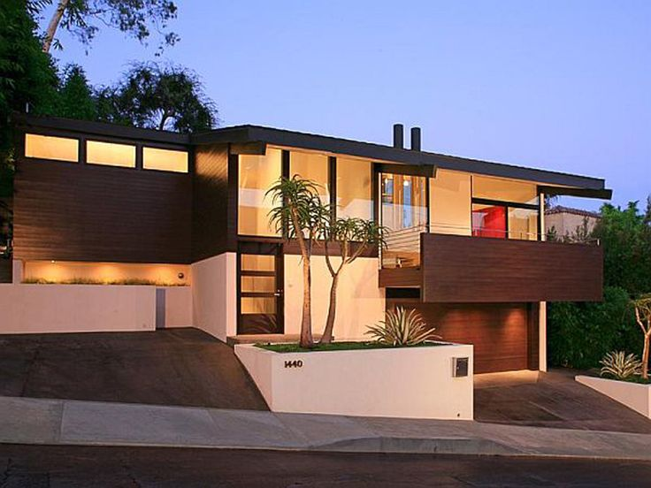 Modern home in los angeles the hollywood hills for Home design los angeles