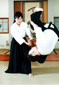 Ayako Fujitani and Steven Seagal | Source and owner of picture = bp1.blogger.com