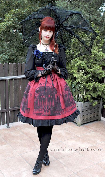 Lovely gothic Lolita.