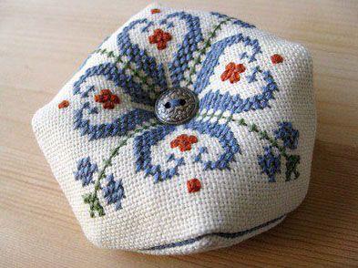 """Traditional Bulgarian Motif"" cross stitch pattern"