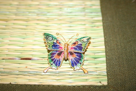 Vintage Beautiful Butterfly Pendant/Pin by PandBTreasures on Etsy, $4.00
