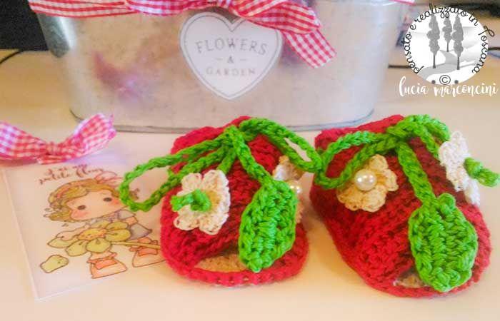 Sandalini in cotone per neonataSandalini Petit Fleur  https://iliveintuscanyistantidiluciamarconcini.com/2017/02/11/sandalini-petit-fleur/ #tricot #knit #uncinetto #Babyshoes