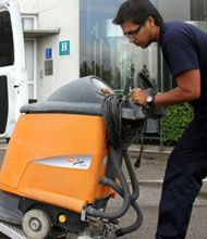 JADOGA offers you the best cleaning and auxiliary services and a team of experts to serve you the satisfied services.