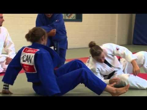 La judoka Joliane Melançon, étudiante au baccalauréat d'intervention en activité physique à l'UQAM, nous parle de sa première expérience olympique.   Les Jeux olympiques ont eu lieu du 27 juillet au 12 août 2012 à Londres.