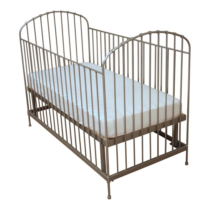 Baby Bed Melody   #fabsworld #metalenbabybedje #metalenbed #ijzerenbed #smeedijzeren bed #metalen ledikant #metalen bed #gietijzeren bed # vintage bed #nostalgische bedden #iron cot #iron bed #  romantische bedjes #metalen ledikantje  shop: www.metalenbabybedje.nl brand: Fabs World The Netherlands