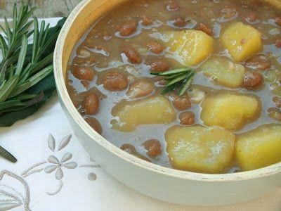 """MINESTRE della tradizione contadina: la carne era un lusso e la tavola contadina aveva come piatto obbligato la zuppa di verdure o """"maneštra"""", sempre a base di fagioli e patate, che erano a lunga conservazione e a basso costo."""