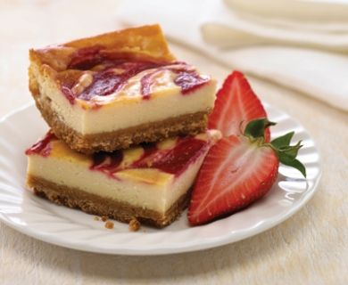 Fresh Strawberry and Mascarpone Squares with Tre Stelle® Mascarpone  #dessert #recipe #mascarpone