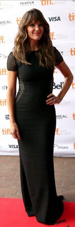 Who made Jennifer Garner's black short sleeve gown that she wore in Toronto on September 6, 2014