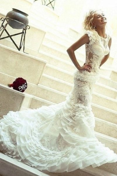 Unique wedding dress. This is incredibly beautiful!