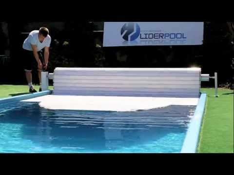 Pool cover roller shutter Liderpool manual with crank - YouTube