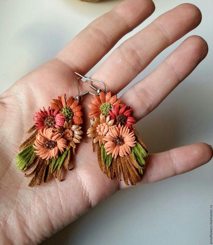 Купить Серьги из кожи с цветочками - разноцветный, кожаные цветы, кожаные серьги, серьги из кожи