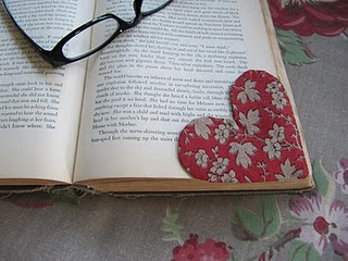 DIY book marks. Too cute for V day gifts. (For those who actually read real books and not electronic ones..lol)
