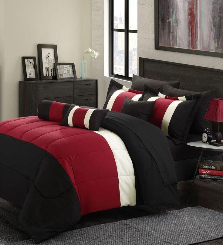 A queen bedding set that gorgeous enough to sleep in.