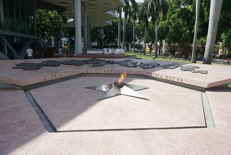 Gloria eterna a los heroes de la patria neuva . . #cuba #history #remembrance #neverforget