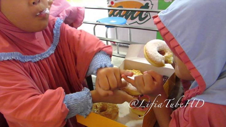 Shopping Mainan Toy dolls di mall Giant JCo - kids Child Girl @LifiaTubeHD
