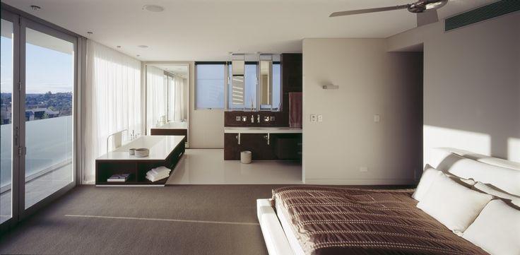 Open plan ensuite & bedroom