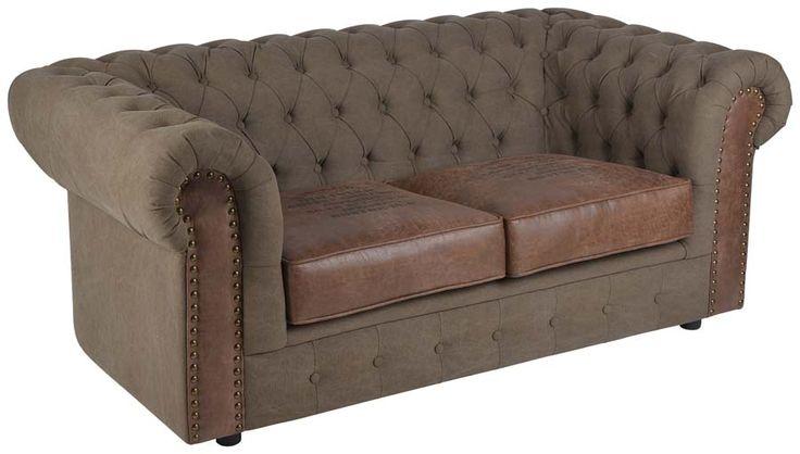 O canapea cu două locuri, inspirată de modelul clasic al sofalei Chesterfield întâlnite în cluburile gentlemenilor englezi din Interbelic. http://www.retroboutique.ro/mobila/canapele/canapea-havana-duo-2324