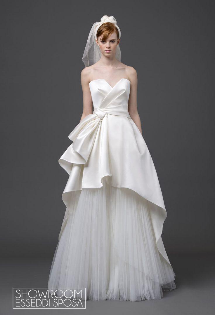 Collezione Abiti da sposa Alberta Ferretti Forever. Disponibile presso Showroom Esseddi Sposa. Visita il sito: http://www.esseddisposa.it/