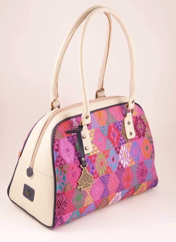The Michele shoulder bag by Augusto Castillo www.benare.net
