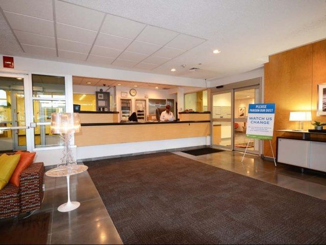 Renaissance City Apartments, Luxury Apartment Living In The Central  Business District Of Downtown Detroit. Urban Apartment Community With  Resort Class ...