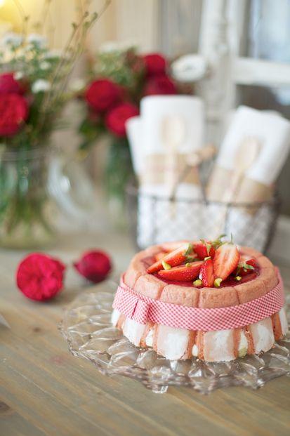 recette-charlotte-fraises-rhubarbe-estragon