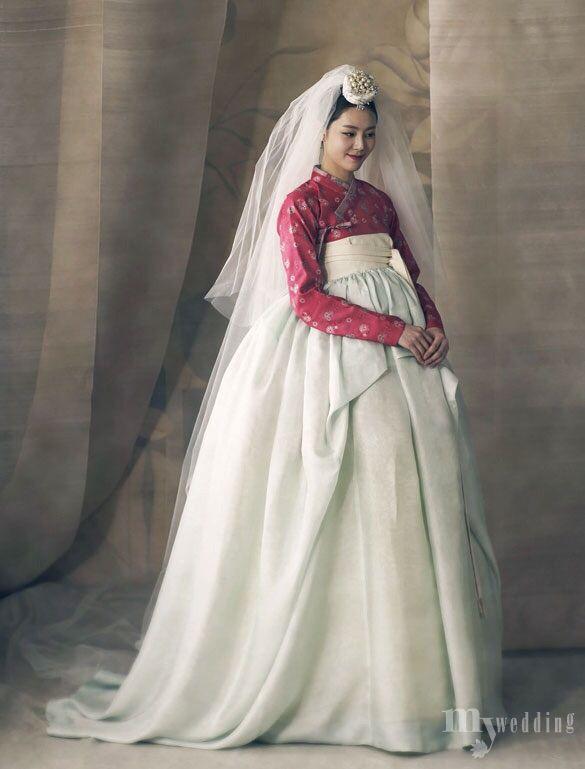 1052 best modern hanbok and beautiful traditional hanbok for Hanbok wedding dress