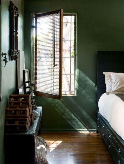 Jade op de slaapkamermuur | ELLE