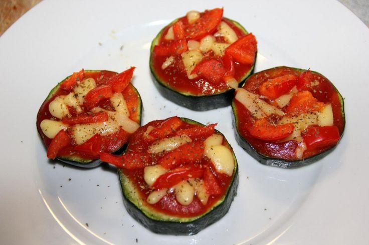 Super gezonde snack: Courgettepizzaatjes! (Bodieboost-proof) - www.mariekevanwoesik.nl