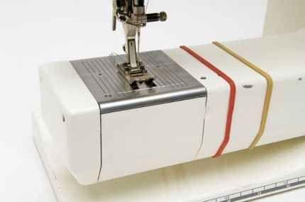4. Use rubber bands to keep a uniform seam allowance.