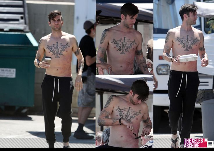 """A shirtless Wes Bentley takes a lunch break on the set of his new movie """"Broken Vows"""" in Los Angeles. Los Angeles, California - Tuesday, August 05, 2014.  More pictures > http://www.thecelebarchive.net/ca/gallery.asp?folder=/wes%20bentley/&c=1"""